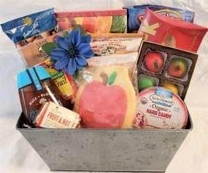 Rosh Hashana Apples and Honey Basket